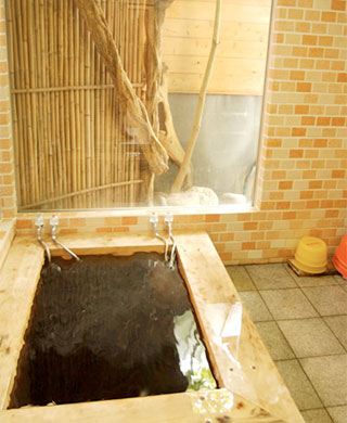 千葉亀山温泉 桧風呂