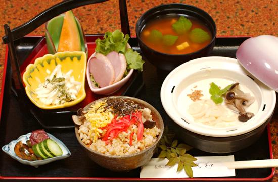たけのこご飯と若竹豆腐のセット定食