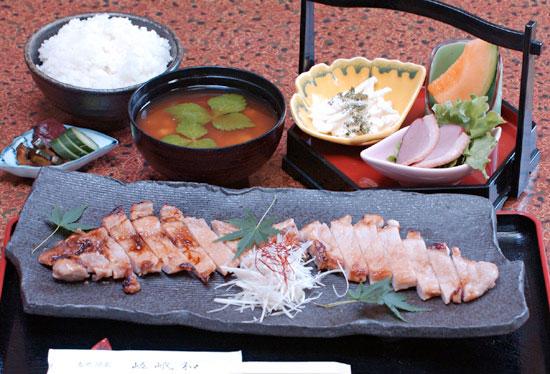 国産香草黒豚を使った西京焼定食