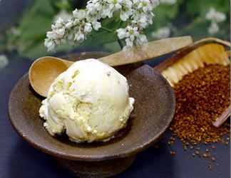 韃靼(だったん)蕎麦のアイスクリーム