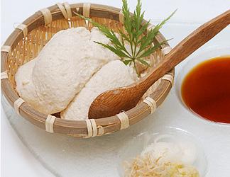落花生入りの、ざる豆腐